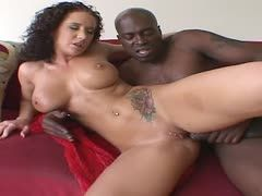 Sexbombe Jayden James fickt Lexington Steele