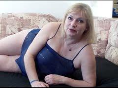 Linda Fox vernascht geilen Opi