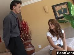 Teen Allie Haze bumst Dirty Harry